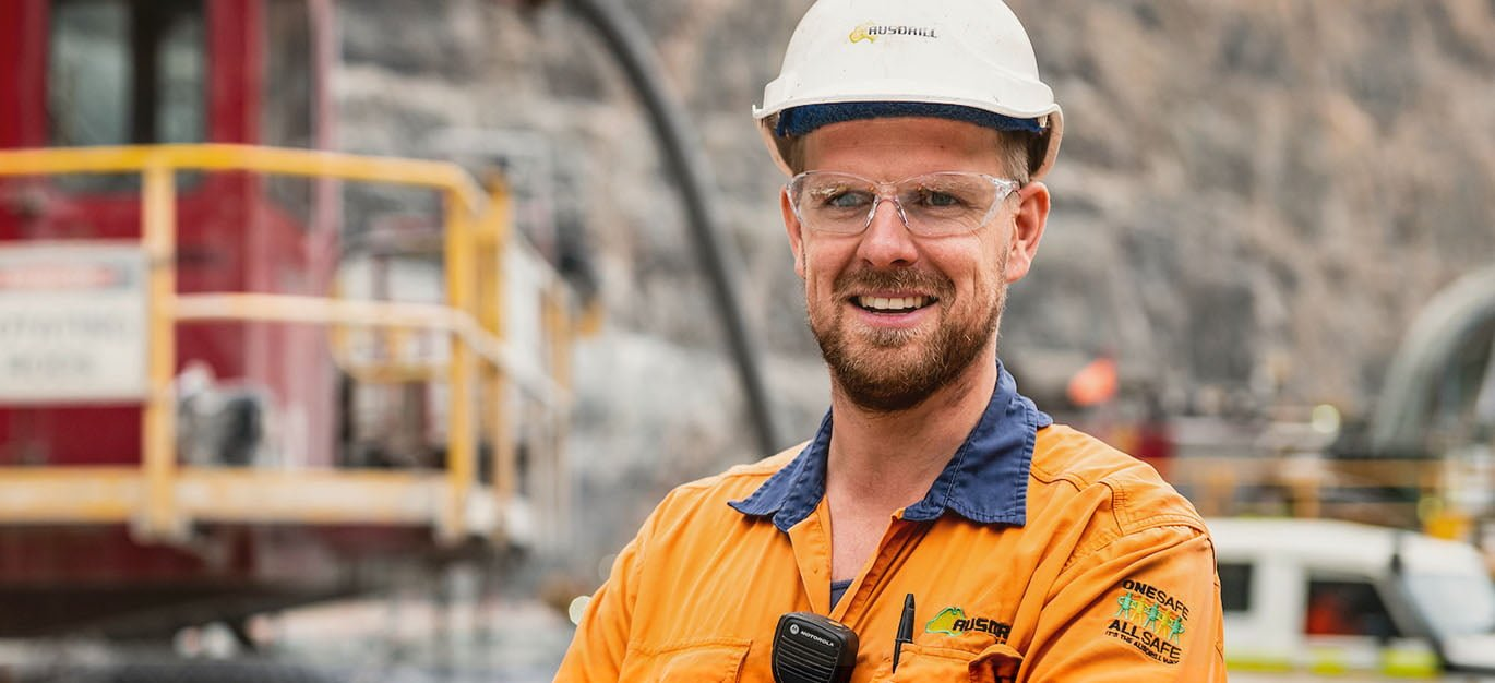 Ausdrill has been awarded $79m in new contracts for a range of exploration and production drill & blast works • PROJECTS PEOPLE 7